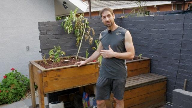 empty-aquaponics-grow-bed